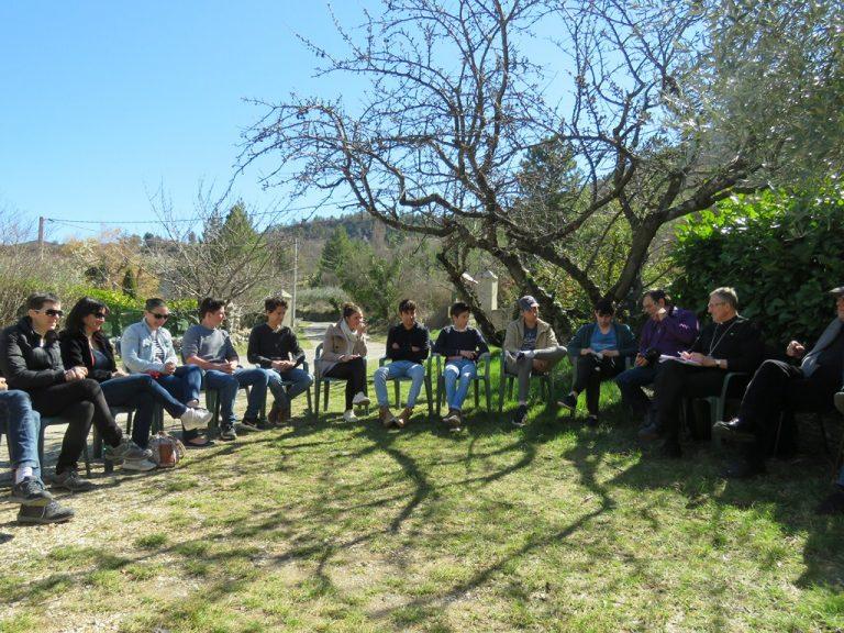 Temps d'échanges avec les jeunes de l'aumônerie collège/lycée et les adultes, qui recevront la confirmation à Buis-les-Baronnies et Nyons (16/03)