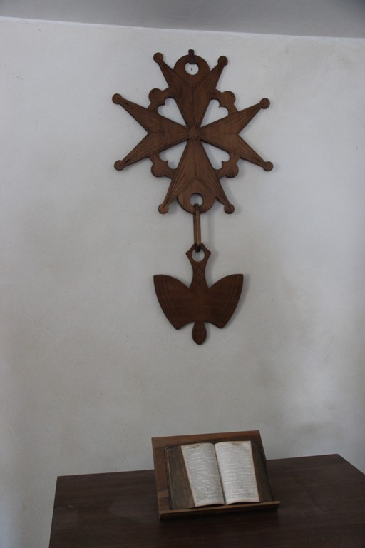 Croix huguenote temple d'Arnayon