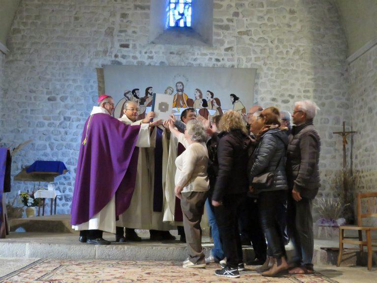 La Motte Chalancon remise de l'Evangéliaire