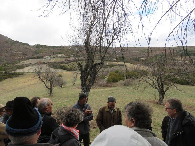 abbaye de Bodon à St May un agiculteur nous présente la vie du monde agricole sur le plateau